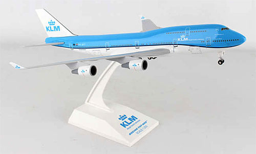boeing 747 400 model with Modell Klm B744 200p on Najwieksze Samoloty Pasazerskie in addition LM85 furthermore British Airways Boeing 747 400 Papercraft as well Model Id 2087 Airbus A380 841 Ana All Nippon Airways Jaxxxx 2 further Fsx Iran Air Boeing 747 400 Old Colors.